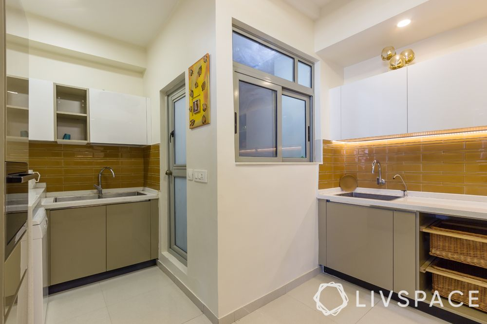 laundry room-size of the room