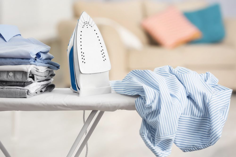 clothes iron-ironing stand