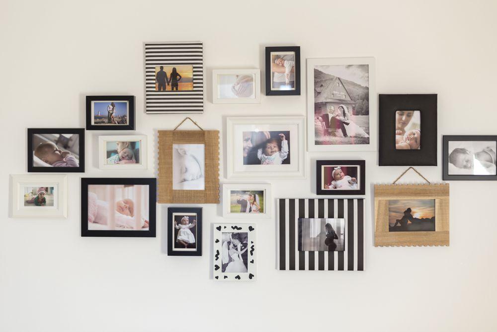 vastu tips-family photos-living room wall