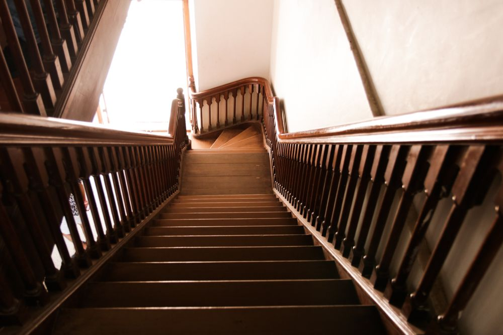staircase designs-wooden staircase