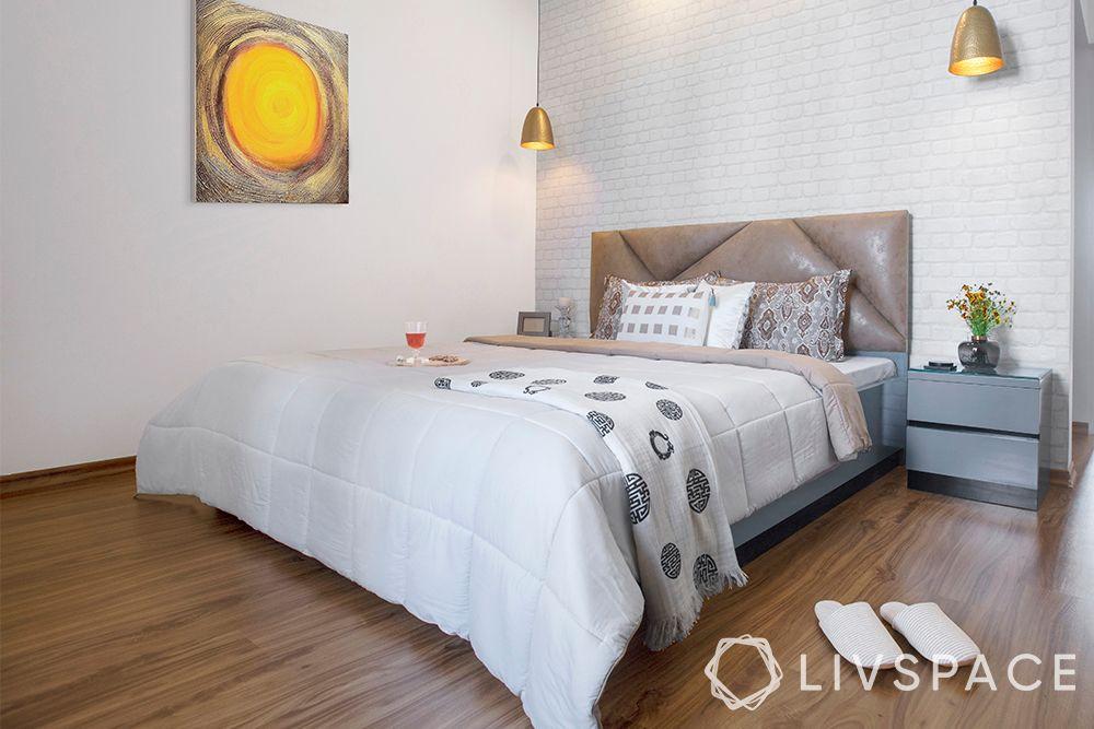 minimalist house-bedroom-bed-wooden flooring