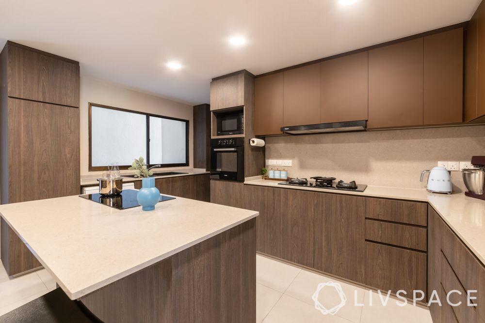 kitchen colours combination-dark wood cabinets-beige backsplash