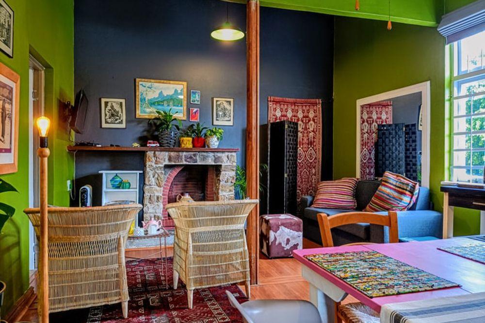 simple room design-bohemian living room-design mistakes