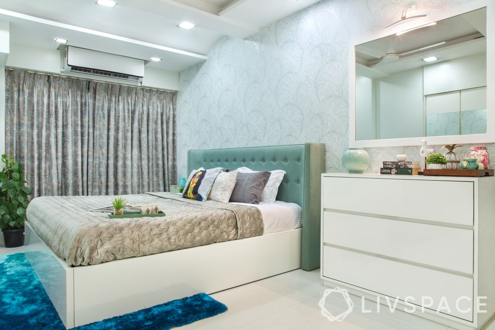 vastu-for-bedroom-mirrors