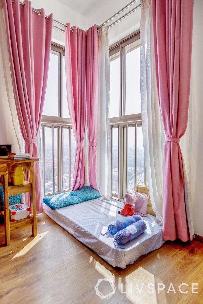 bedroom design for girls-sunbed-curtains-side table