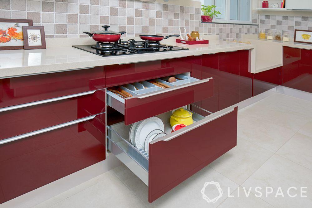 modular-kitchen-design-l-shape-medium-kitchen-red-accessories-basket-tray-cookware