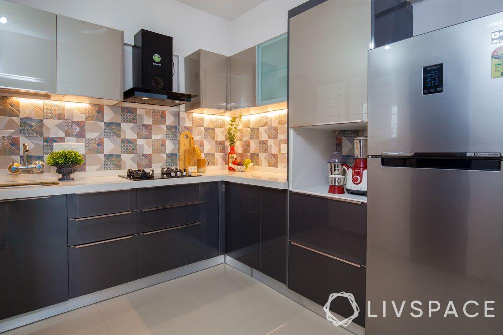 modular-kitchen-design-l-shape-small-kitchen-glossy-acrylic-grey-cabinets-under-cabinet-lights