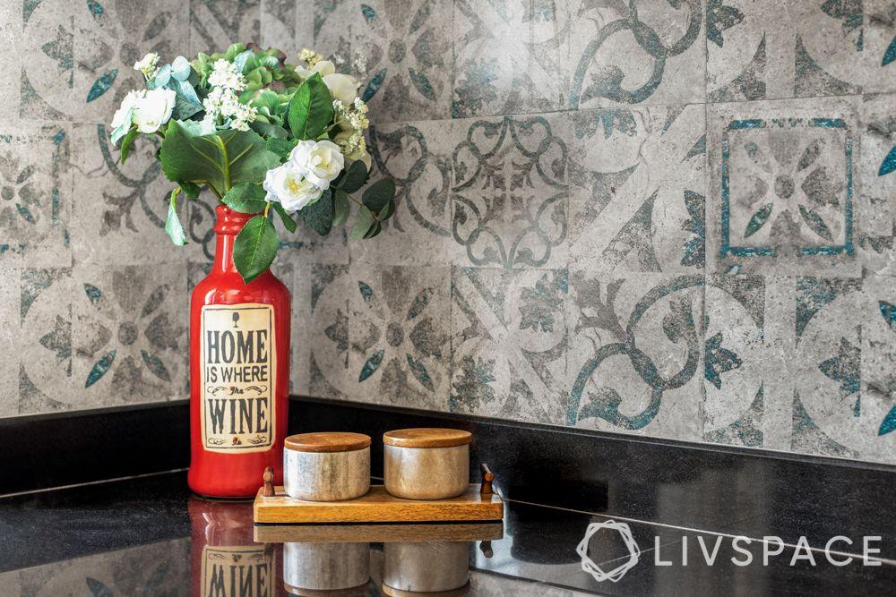 kitchen-remodeling-compact-backsplash-trendy-patterned-tiles