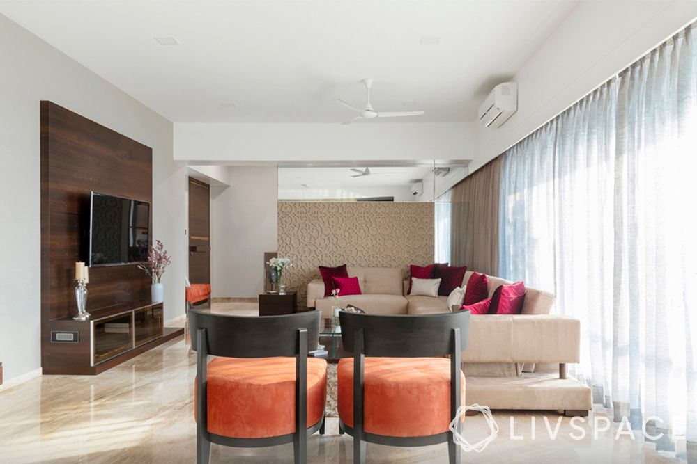 simple living room designs-accent chairs-sofa-TV unit