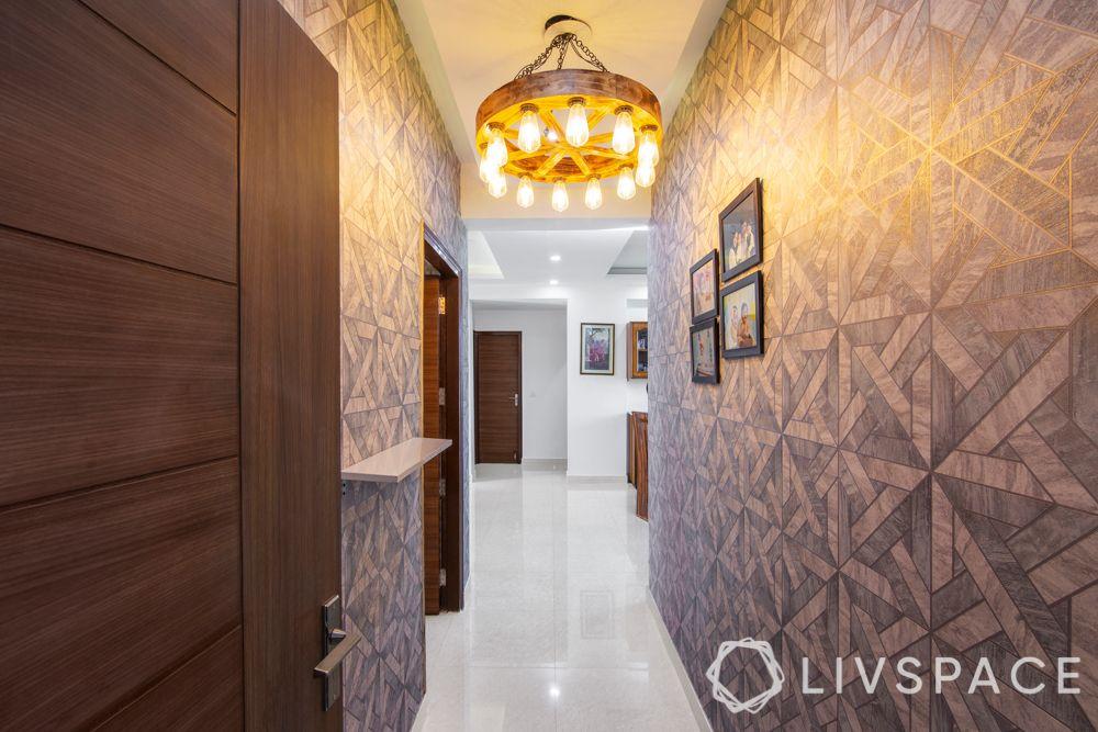 foyer decor-chandelier-accent wall