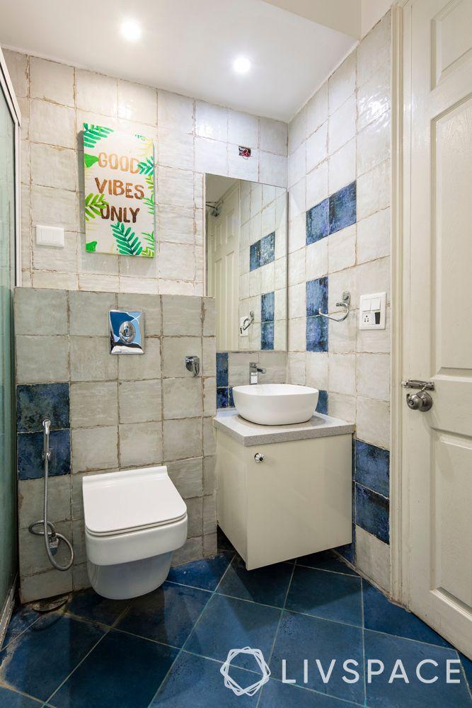 modern bathroom ideas–white tiles–small sink