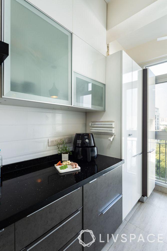 countertop design-black countertop-neutral colours