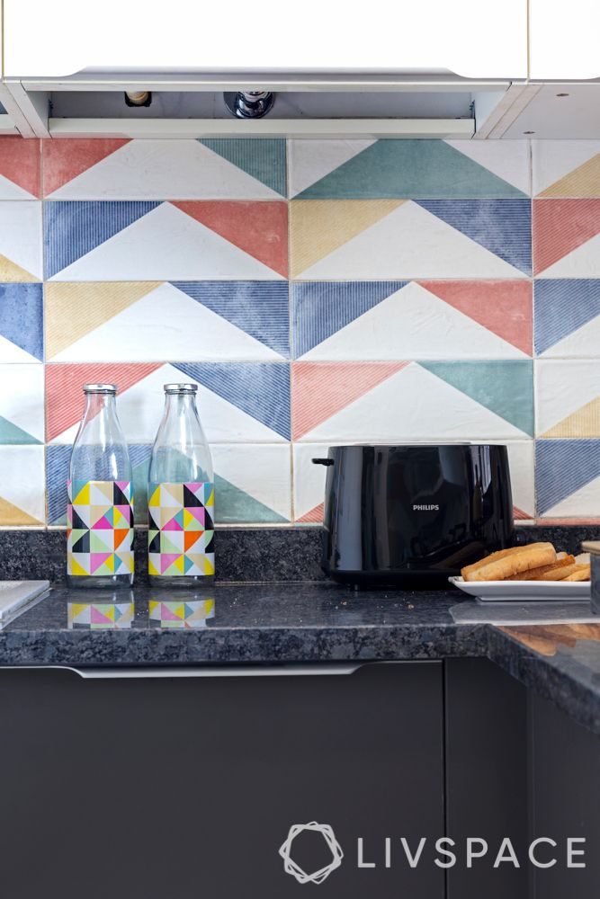 countertop-design-black-marble-colourful-tiles