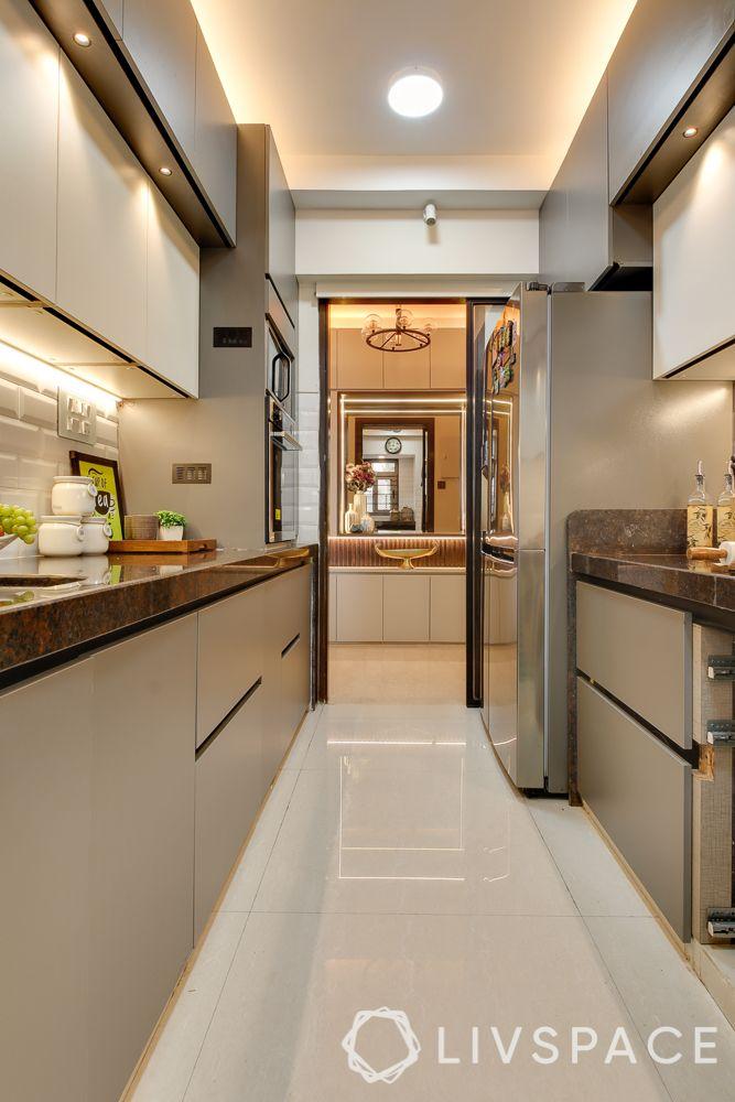 hometour-apartment-in-mumbai-kitchen-beige-base-units-false-ceiling-granite-countertop