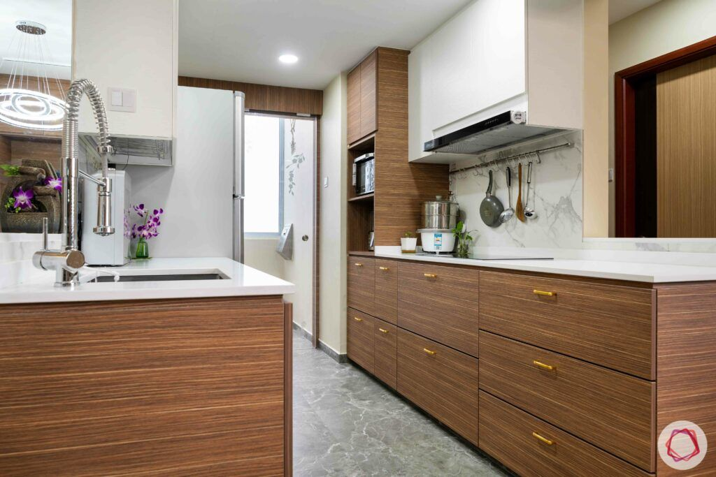 condo-interior-design-singapore-kitchen-cabinets-laminate-gold-handles