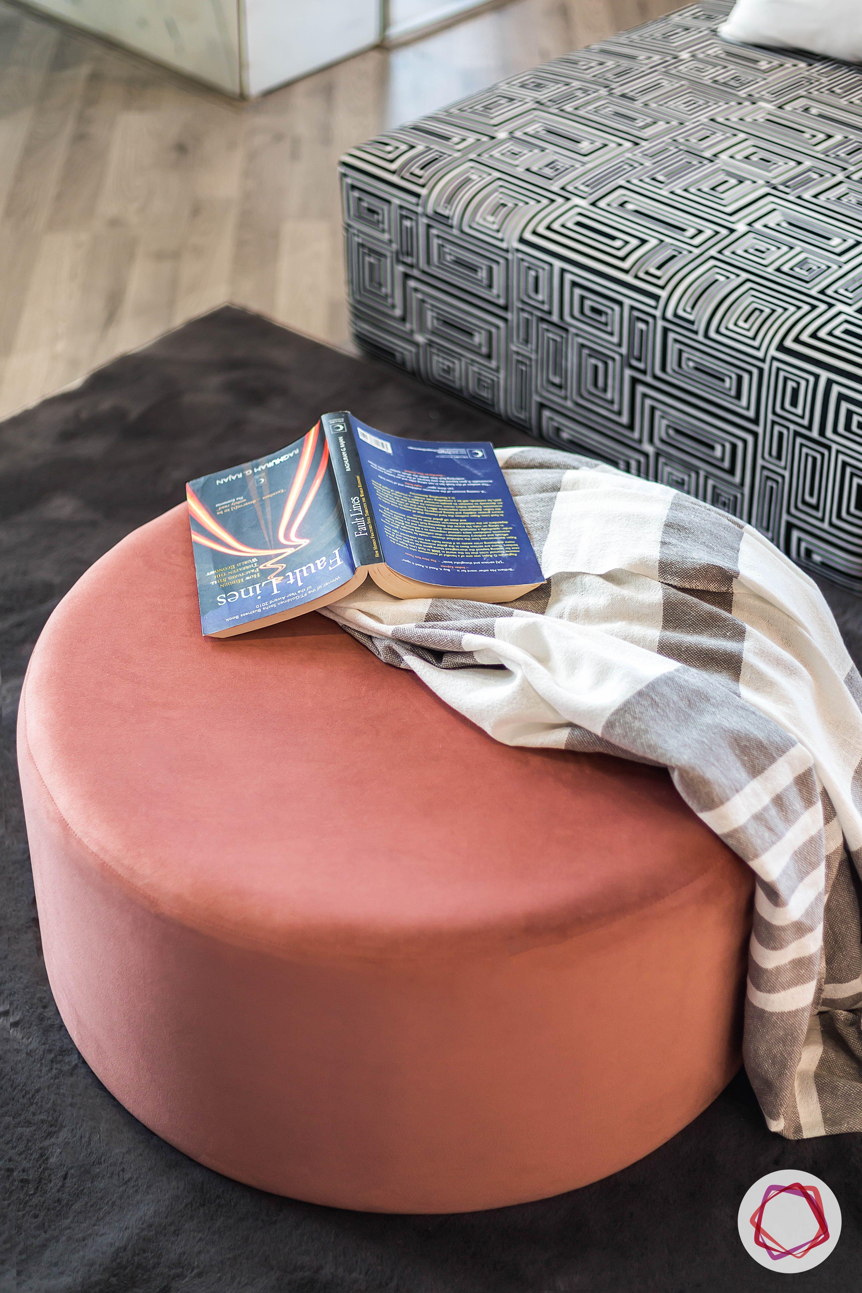 condo-interior-design-bedroom seating-ideas-pink-pouf-designs