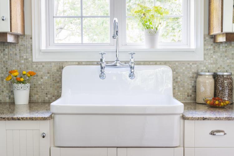 ceramic sink-backsplash designs-vase-granite
