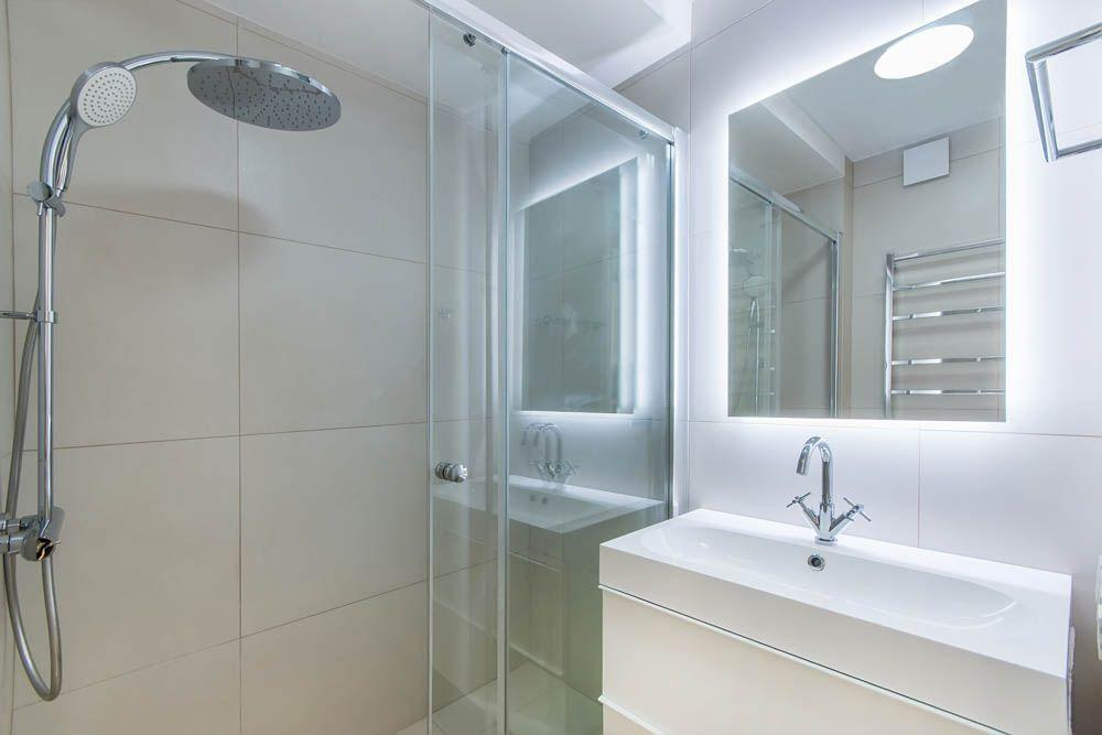 selecting-right-temperature-light-bathroom
