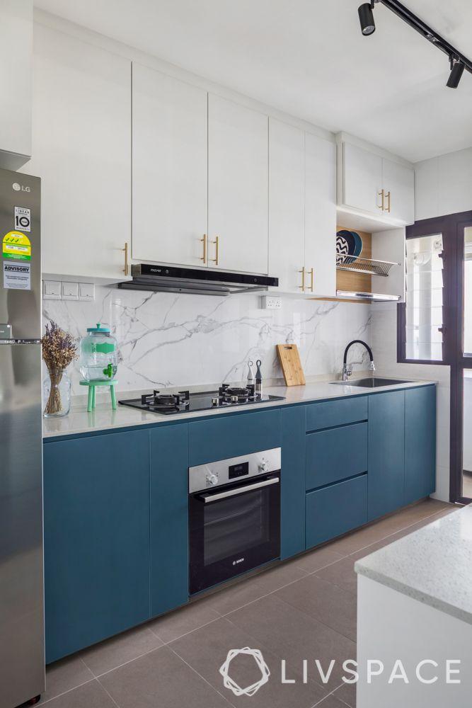 hdb-bto-design-white-cabinets-marble-tiles-hob-unit-track-lights