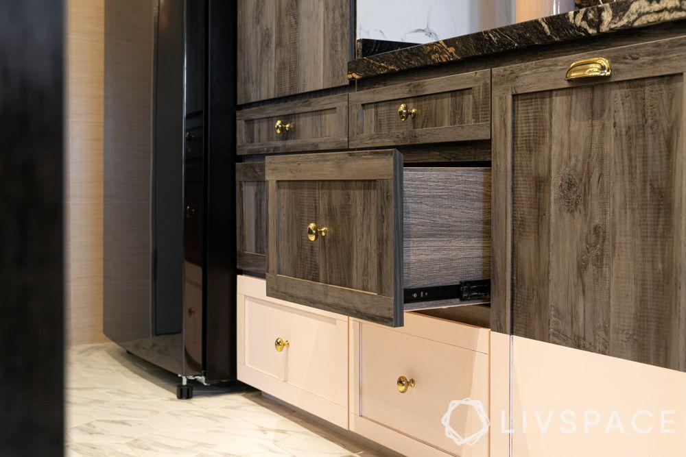 Kitchen-storage-metal handles