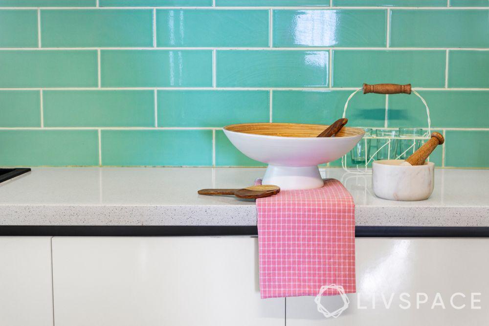 Kitchen backsplash-colour