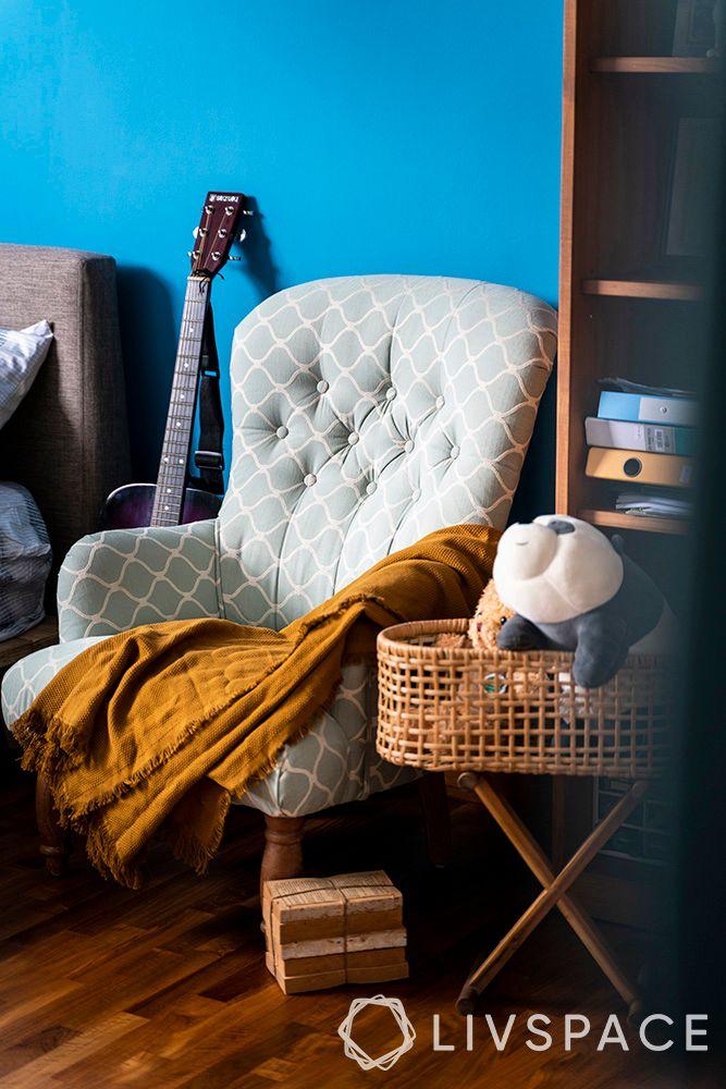 master-bedroom-design-corner-chair