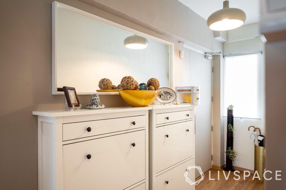 hdb-5-room-renovation-foyer-shoe-cabinet-mirror