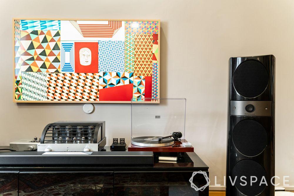 hdb-5-room-renovation-tv-console-vinyl-records