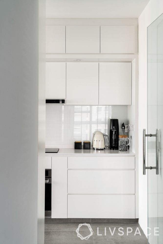 3-room-flat-design-kitchen-entrance-glass-door