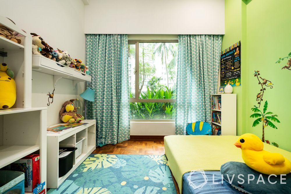 3-room-condo-bedroom-green-curtains-rug