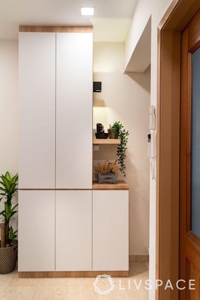 house-interior-design-foyer-storage-unit
