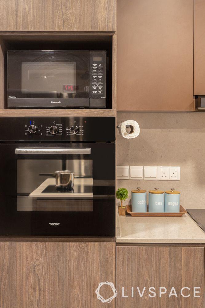 modern-interior-design-kitchen-built-in-microwave