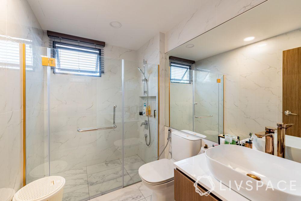 modern-interior-design-bathroom-white-tiles-glass-shower-partition