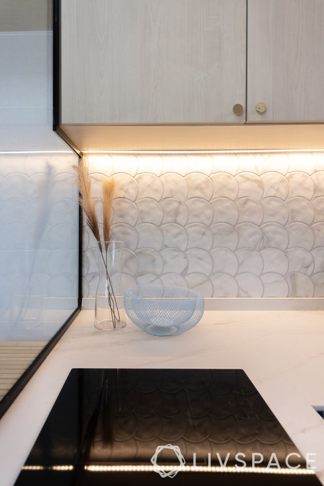 4-room-hdb-design-kitchen-backsplash-ceramic-tiles