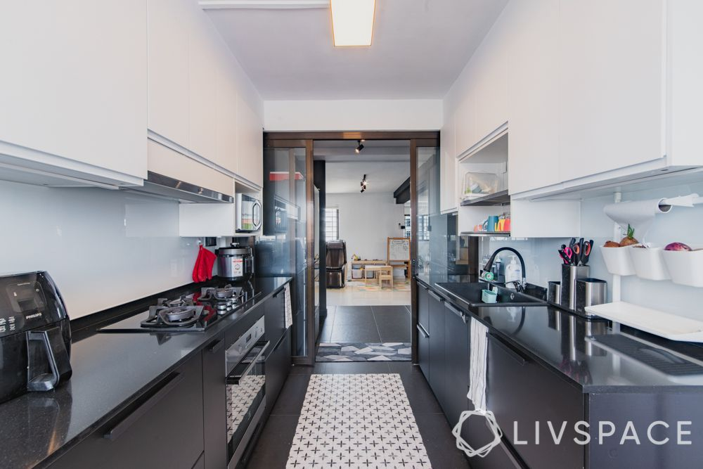 3gen-flats-kitchen-entrance-white-wall-cabinets