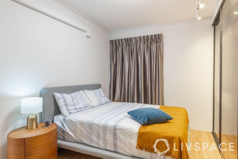 scandinavian-bedroom-cosy-essentials-luxurious-wardrobe-sliding-door-