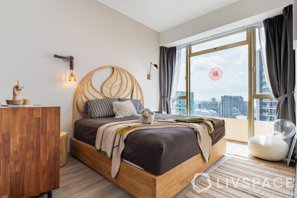 master-bedroom-ideas-headboard-wooden-bed-balcony-white-walls