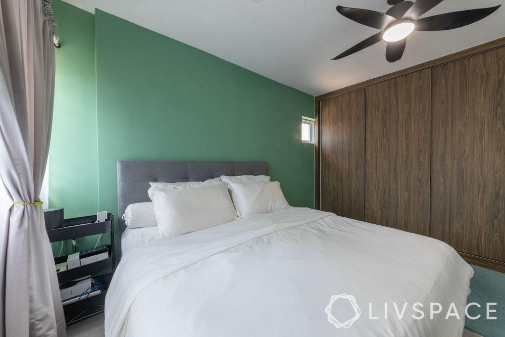 executive-apartment-master-bedroom-bed-sliding-wardrobes