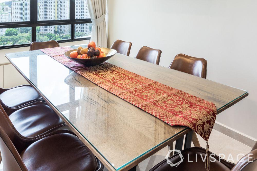 modern-vintage-interior-design-accessories-table-runner