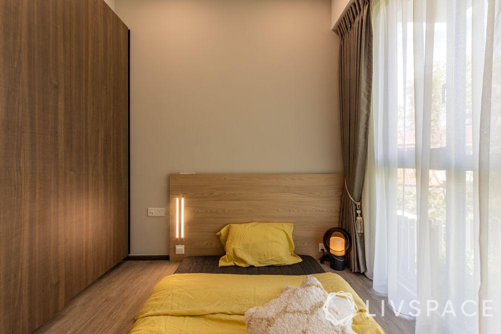 small-condo-renovation-ideas-bedroom-wooden