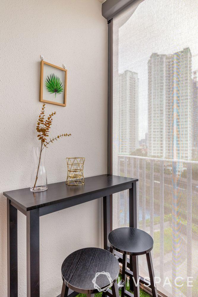 balconies-bar-stools-table