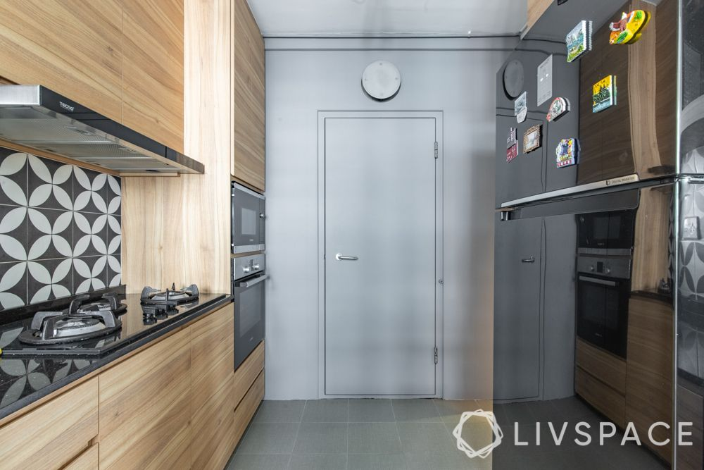 hdb-4-room-resale-renovation-kitchen-parallel-vertical-space