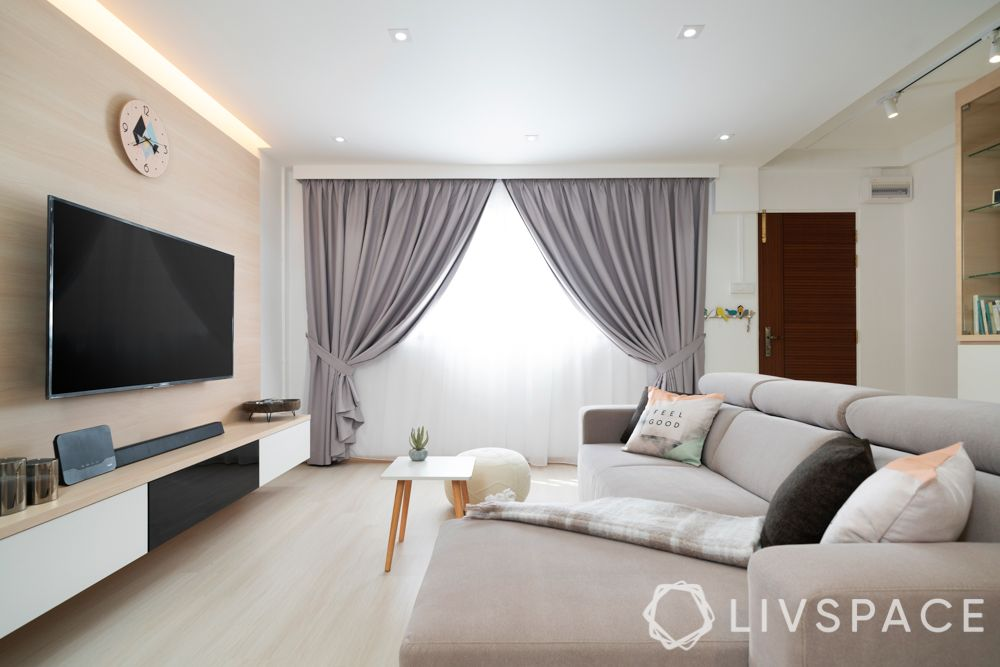 minimalist-living-room-drapes-wall-mounted-tv