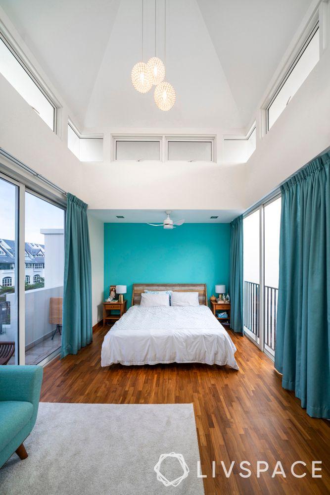 parquet-flooring-grey-carpet–luminous-room