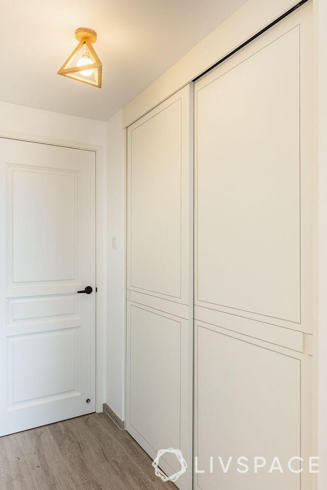 sliding-door-wardrobe-wooden-flooring