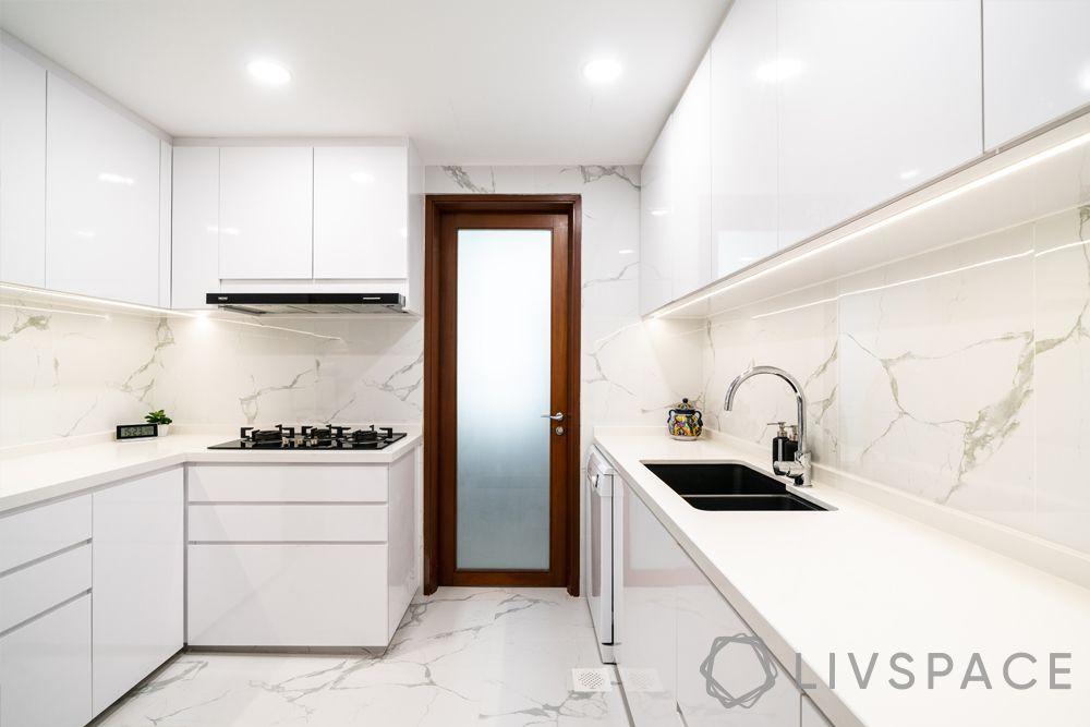 modern-kitchen-design-white-kitchen-cabinets-backsplash-countertop