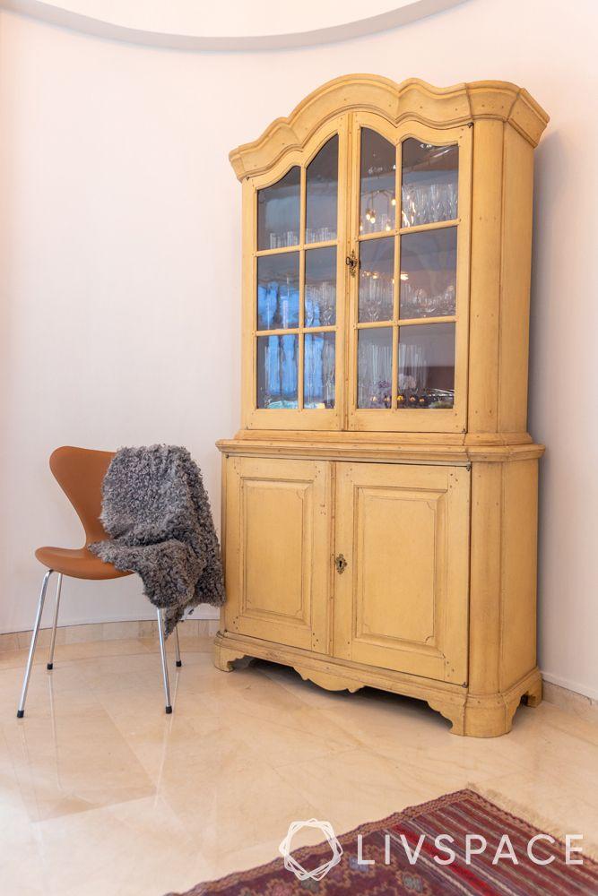 2-bedroom-condo-wooden-crockery-unit